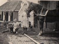 Yfke-en-Afke-1937-mei-het-hynder