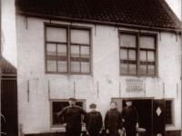 Dr Miedemastritte 1915 Kachelsmid Okke Bruinsma