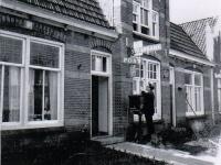 Dr Miedemastritte 1969 Postkantoorhouder Joop Dotinga