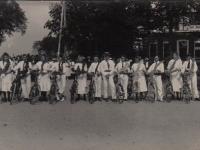 Feest 1938 Carousselfietsen o.l.v Beint Douma