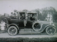 Feest Waltawei 1938 auto met feestcommissie