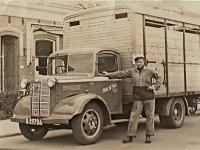 Austin uit eind jaren 40 met Hendrik de Vries