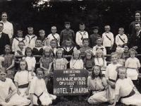 1926-met-annie-douma