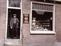 trijntsjebuorren-1965-neelis-dijkstra-winkel